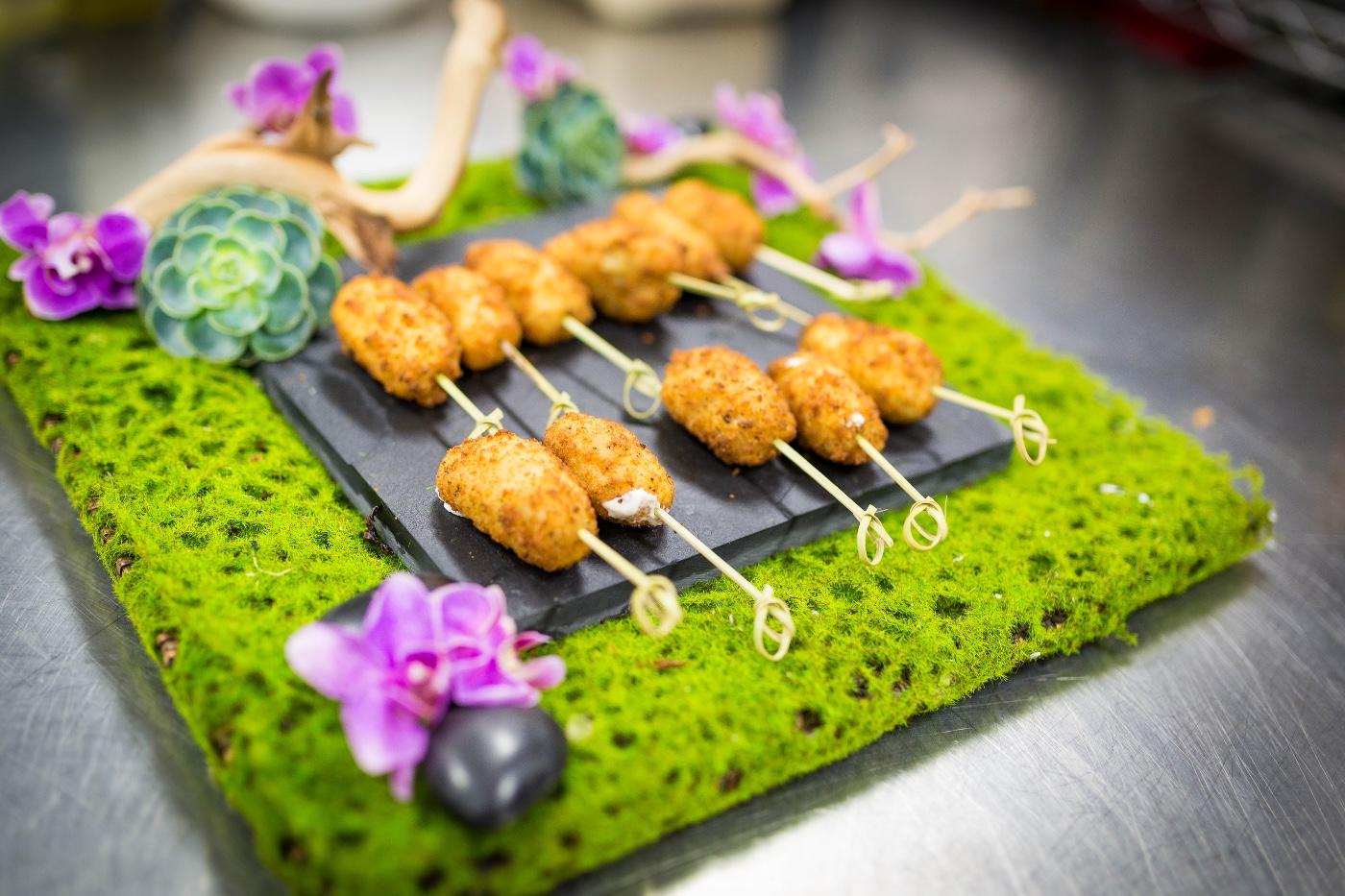 La bonne cuisine full service caterer serving entire bay for La bonne cuisine